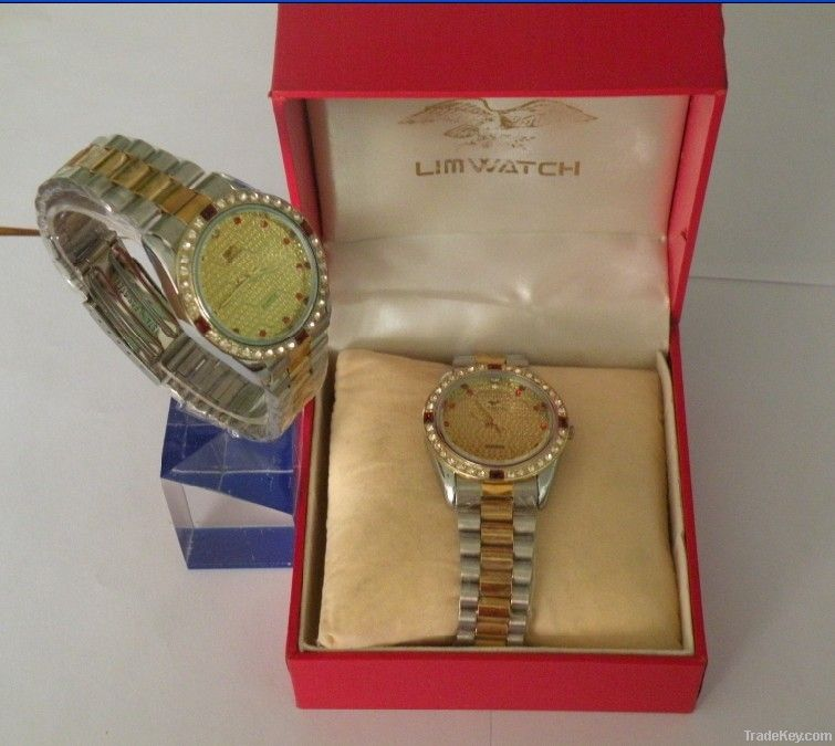 Full of temptation of the alloy watch