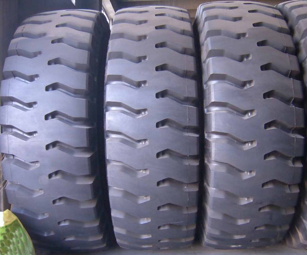 OTR Tire for Mining/Earthmoving/Dump Truck Wheel Loader