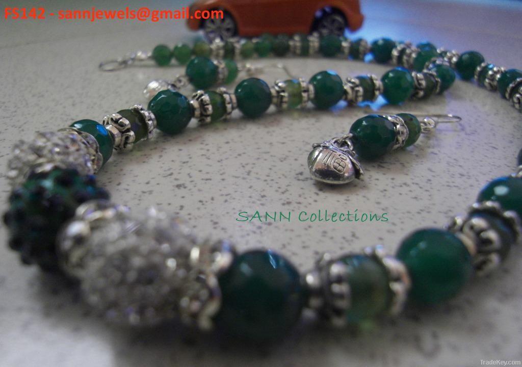 Jade necklace n earring set