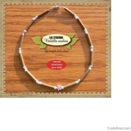 Hazelwood necklace flower