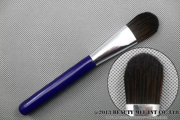 Foundation brushes / B1F-032