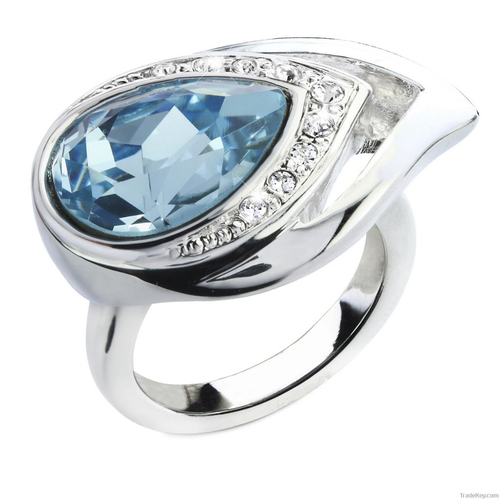 White gold plated ring with crystal