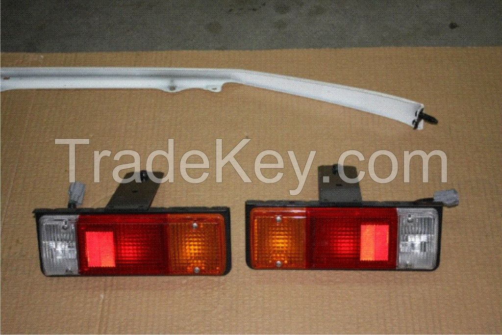 Car Headlamps Right and Left For LToyota LC79