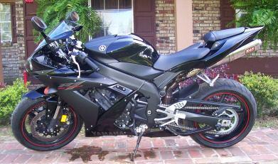 Yamaha YZF-R Black Raven