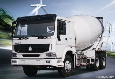 HOWO concrete mixer truck/high quality and low price mixer truck