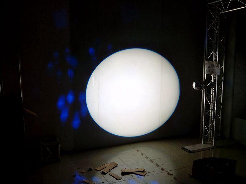 2013 Best Selling 100W COB LED ellipsoidal spot light on display show