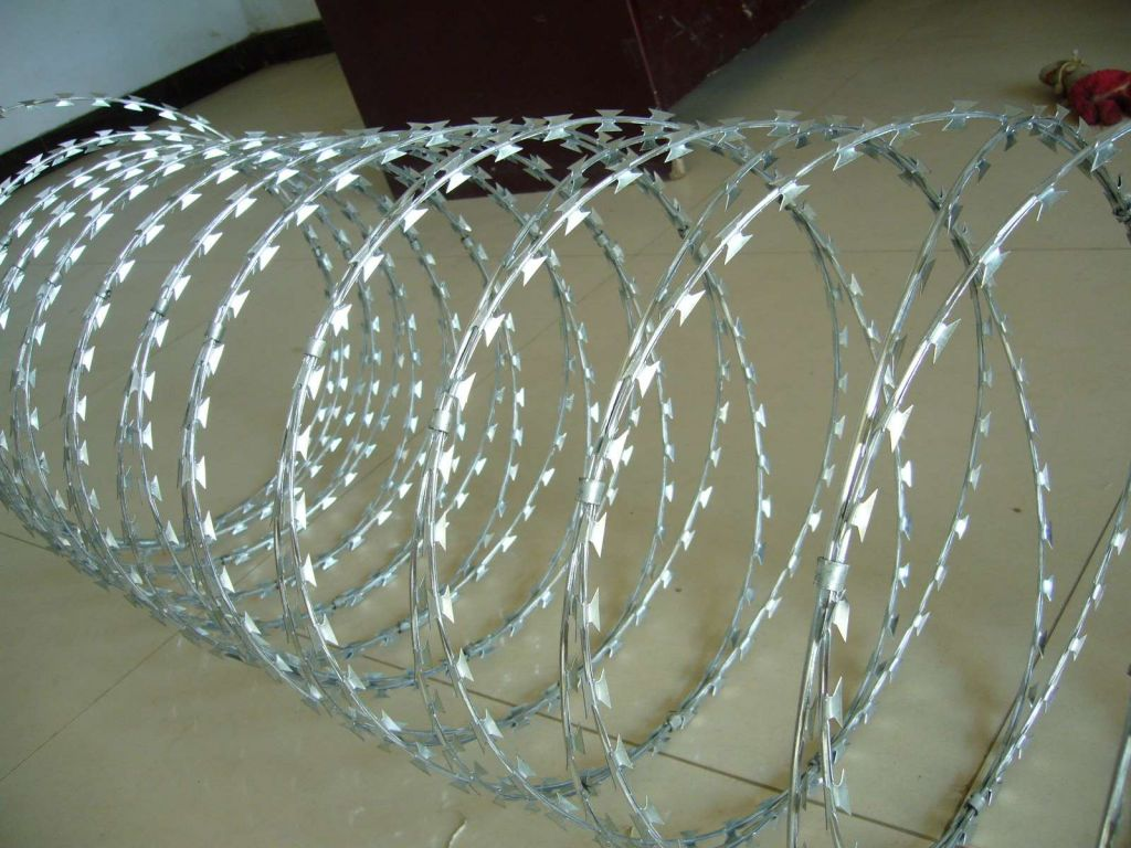 rozar barbed  wire
