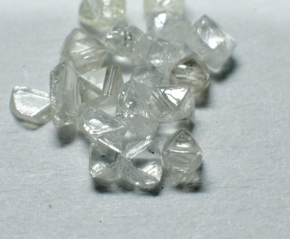 Rough diamonds and powder
