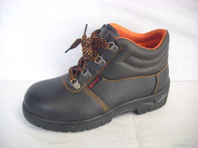 Man working shoe withe elctric function