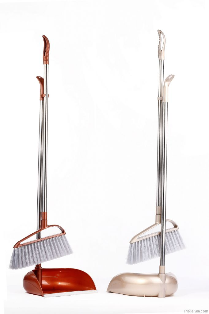 Brooms with dustpans can bear 20KGS