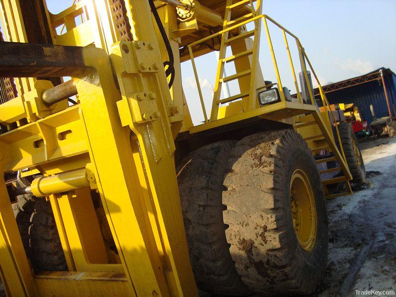 Used Komatsu big Forklift, FD450