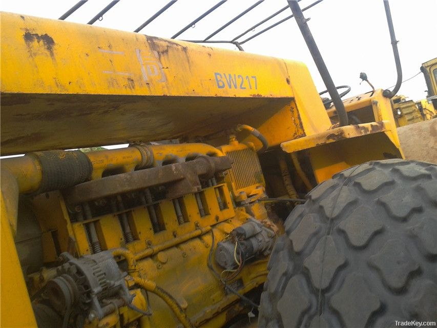 Second hand BOMAG BW217 Road Roller