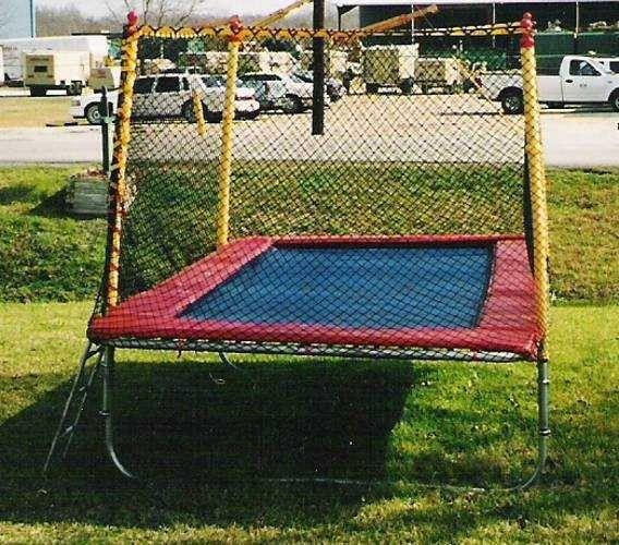 Texas Competitor 17 x 9 Rectangular Trampoline with Enclosure