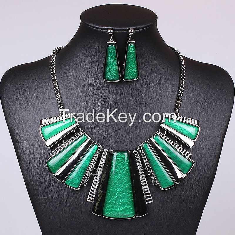 Colorful necklace trapezoidal strip gun black color MD-1412