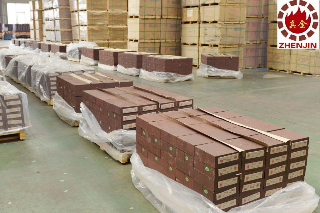 Anti-stripping high alumina fire brick