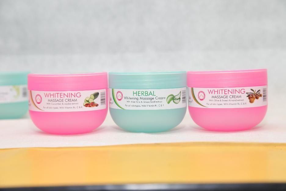 whitening massage cream 300 ml.