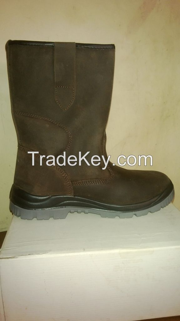 Safety Shoes, Rigger Boots , Ankle boots, PVC Gum boots