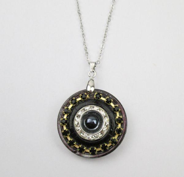 2014 fashion glass necklace pendant