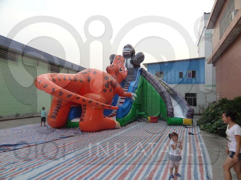 Inflatable king kong dinosaur fight giant slide
