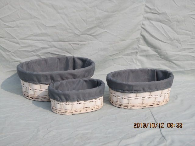 Rectangle wicker storage basket with liner