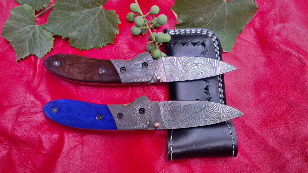 Damascus hand made folding knife