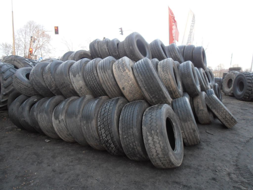 Used truck tires. All types and sizes.
