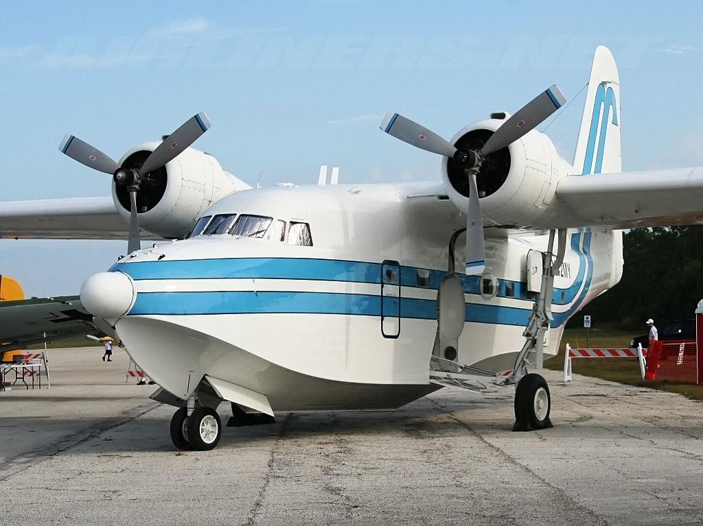 Air plane Grummon G-111