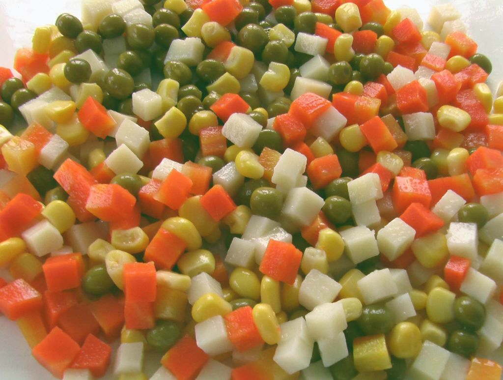 mixed vegetables in jars