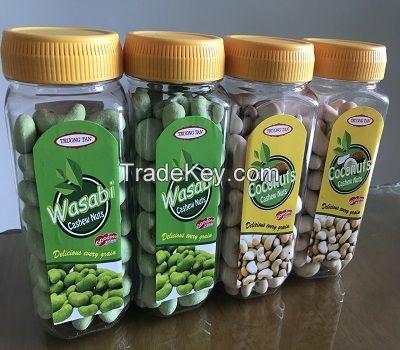 Wasabi coated cashew nut