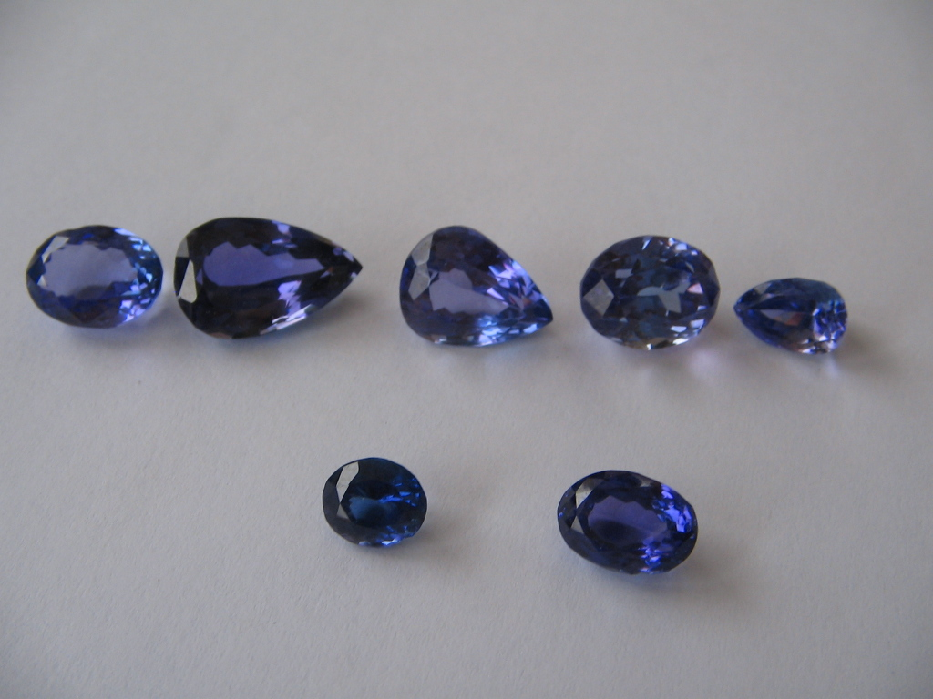 Natural Cut Tanzanite Gemstone