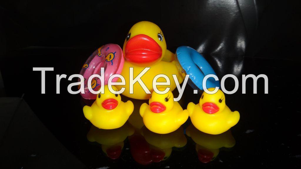 2014 big yellow ducks voice toys pinch toys baby toys set