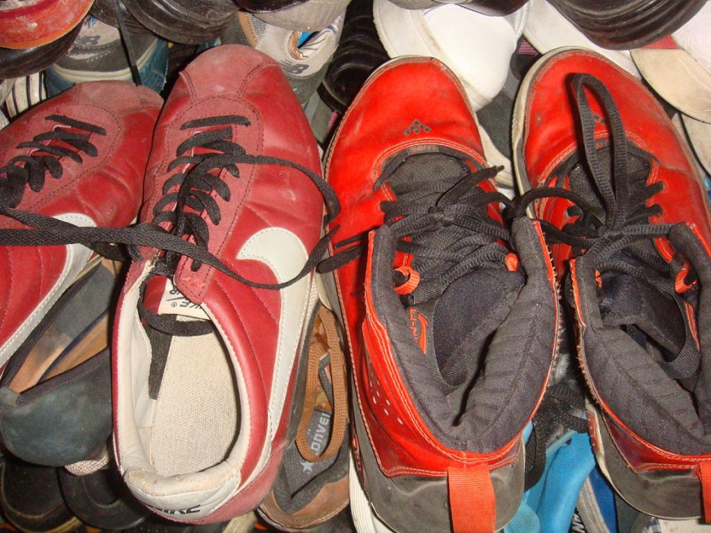used clothes used bags used shoes