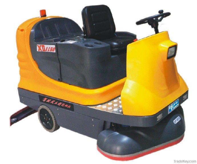 triple-brush ground cleaning machine