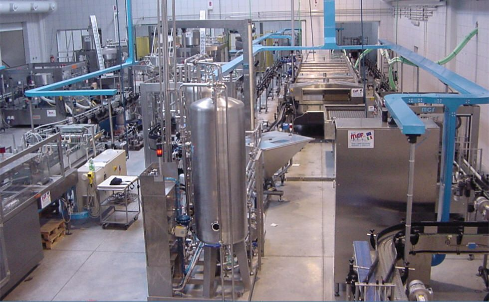 Complete lines for liquid food filling and packaging