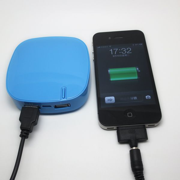 5,200mAh Mobile Phone Chargers for iPhone/iPod/Samsung with 5V/2A Output and LED Flashlight