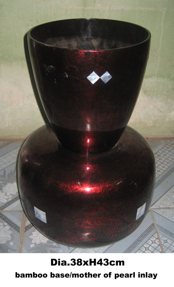 38XH43cm lacquer vase with mother of pearl inlay