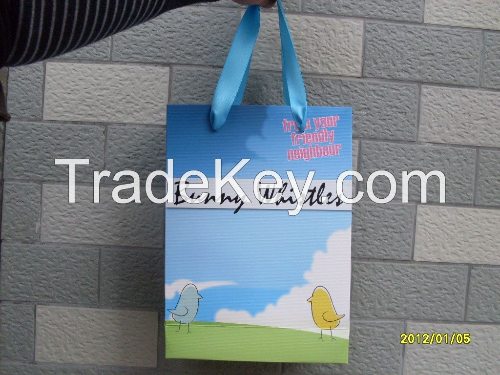 Customized and Recyclable Paper Gift Bags
