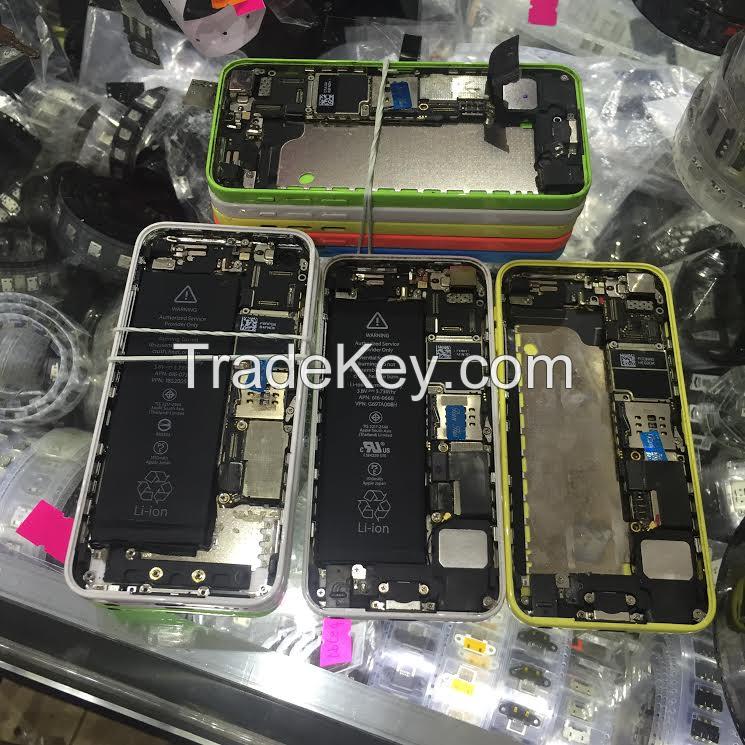 USED IPHONE 5C HALF PHONES POWER ON CLOUD LOCKED// IPHONE 5C NO LOCKS GOOD LCD