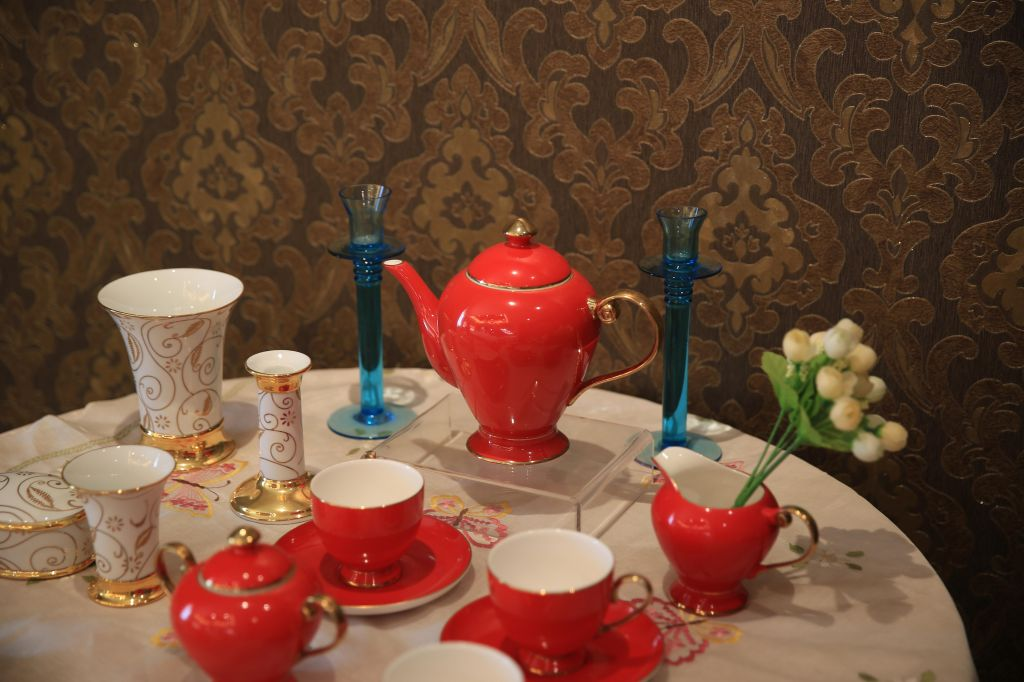 Ceramic Dinnerware, Drinkingware