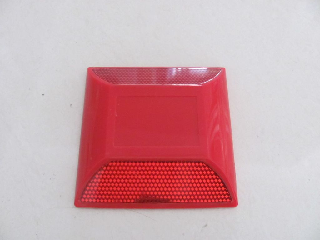 High Quality Reflective plastic road stud Made in China