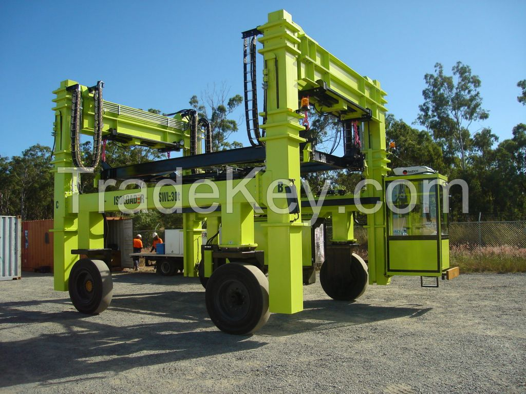 Isoloader LowLifter Container Handling Straddle Carrier