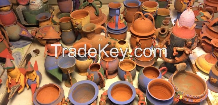 Several Types of Earthenware Pot