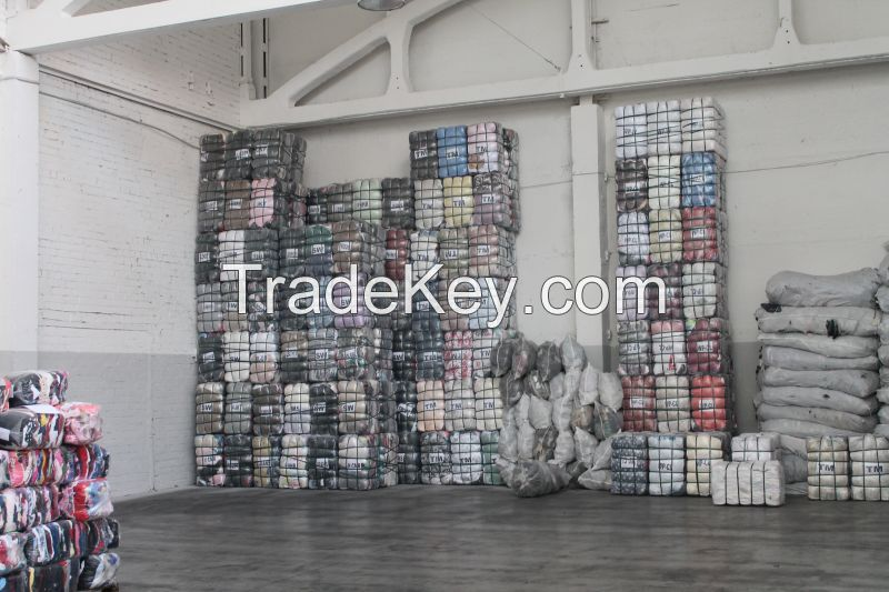 SORTED TROPICAL MIX USED CLOTHES 40FT CONTAINER