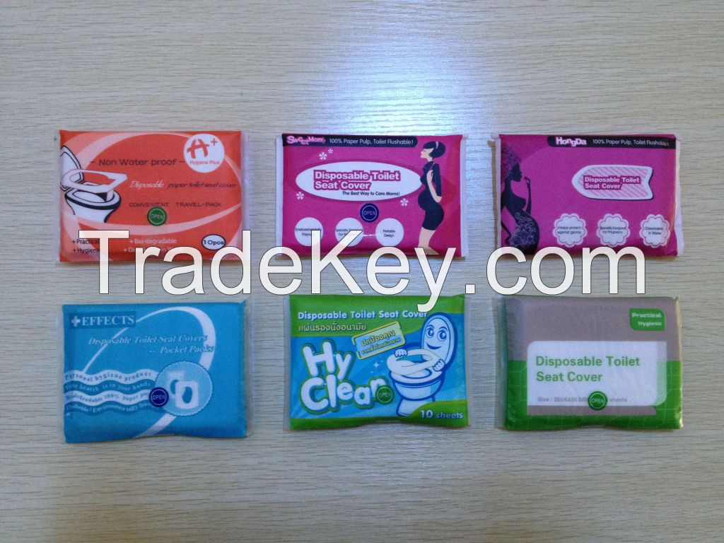 Disposable paper toilet seat covers, travel pack