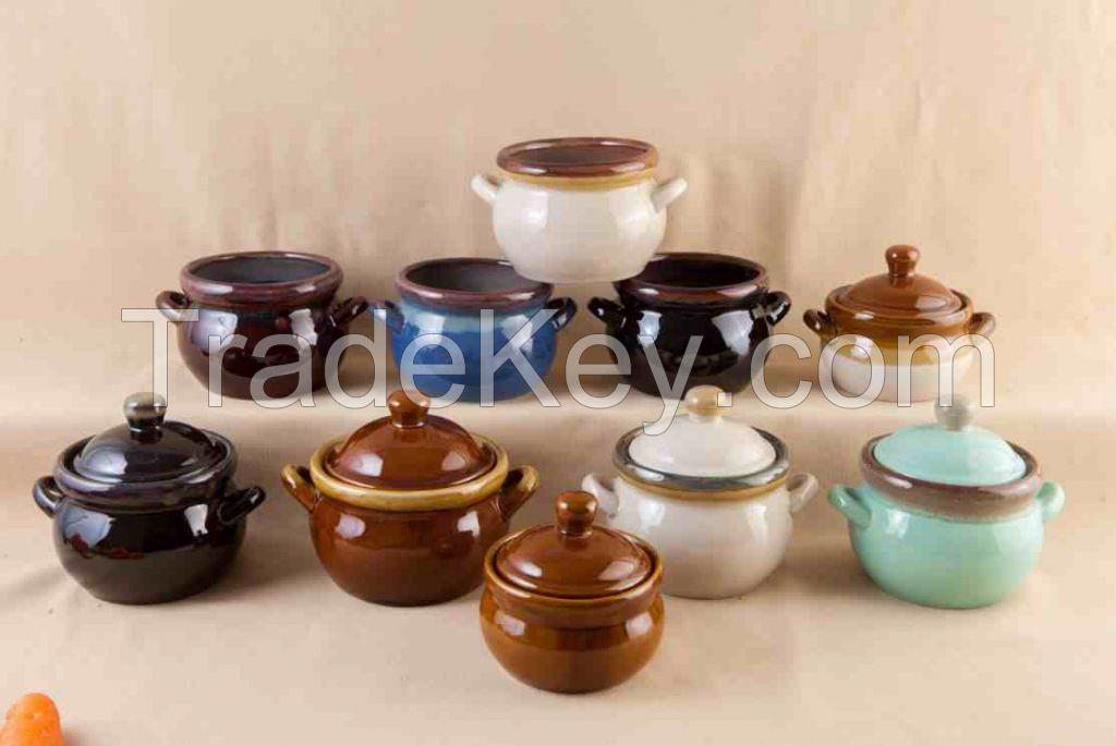 Stoneware: pots