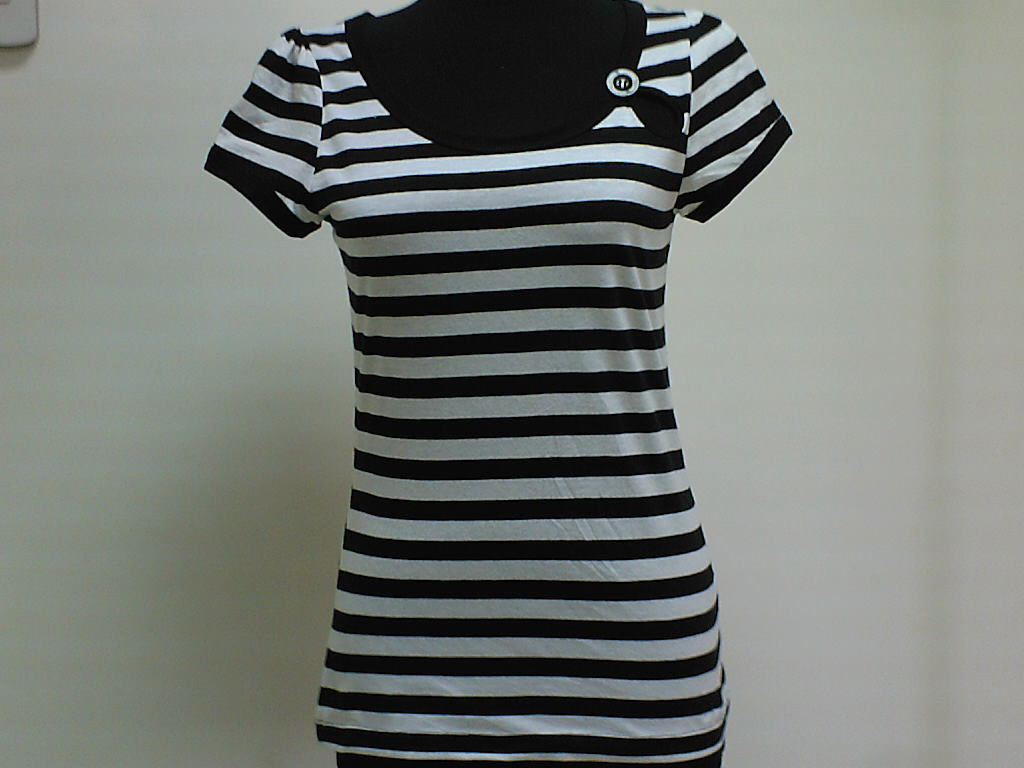 Scoop Neck Button T-Shirt