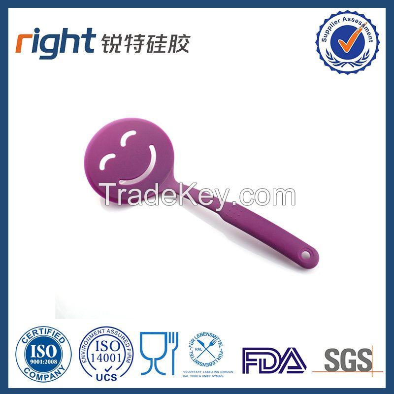 Dongguan Right silicone/smile face silicone spatula
