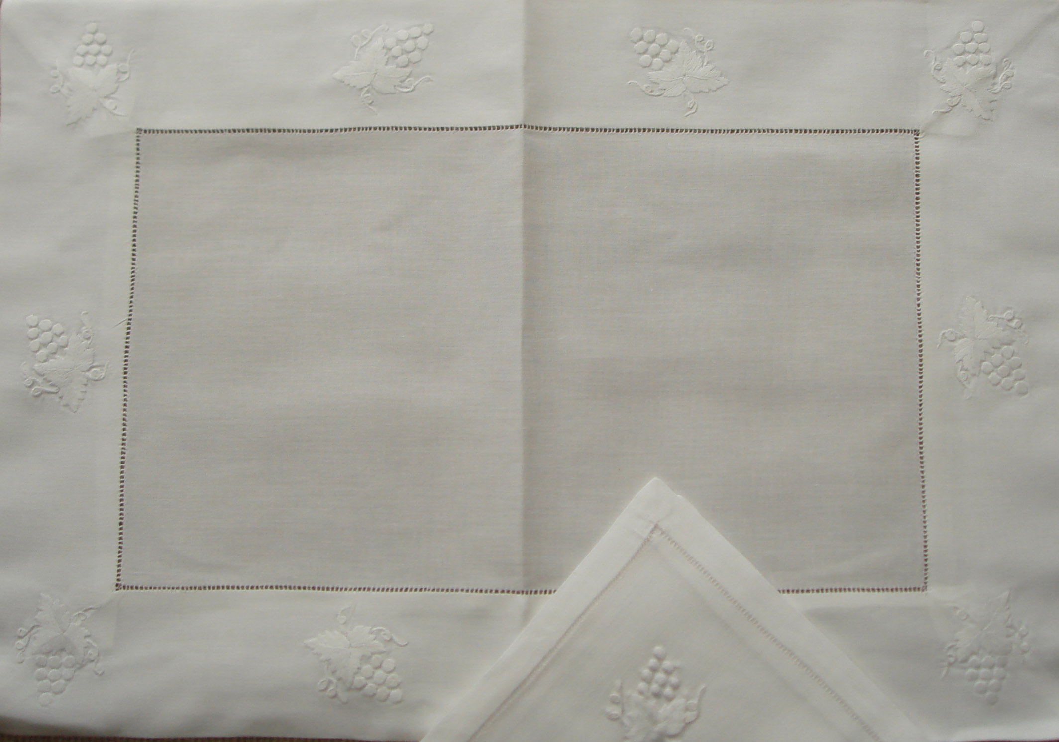 Hand Embroidered Linen, Table Clothes, Place Mats