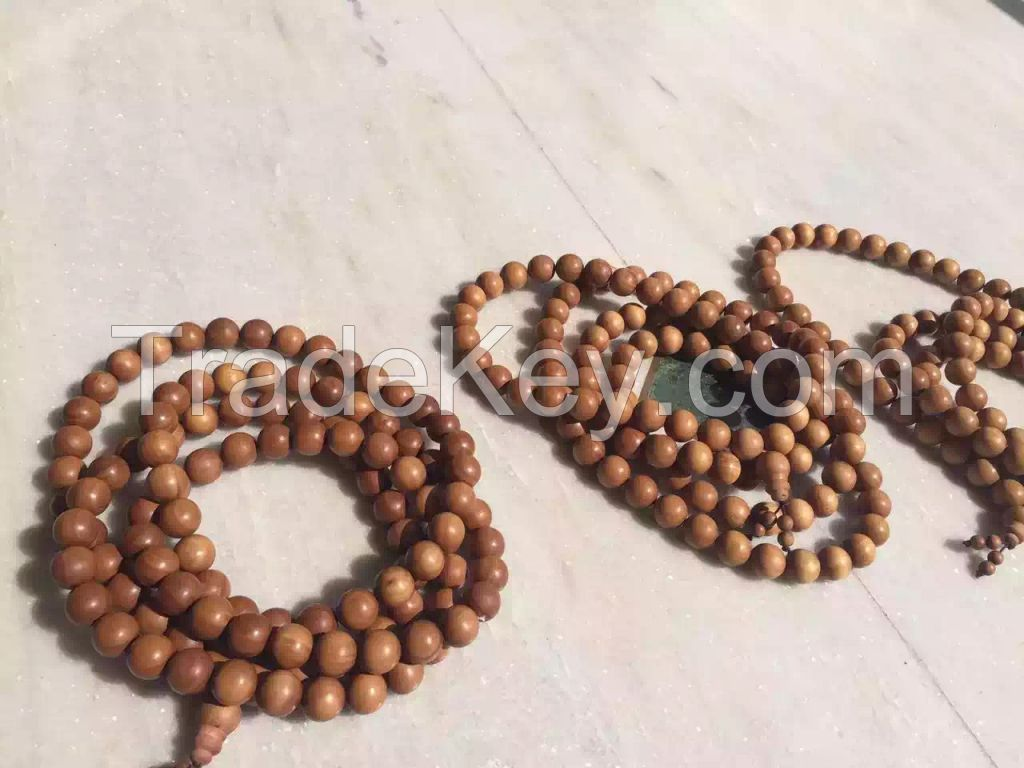 Red sandalwood beads