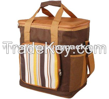 Picnic Time Large Capacity 4 Persons Insulated Picnic Cooler Bag